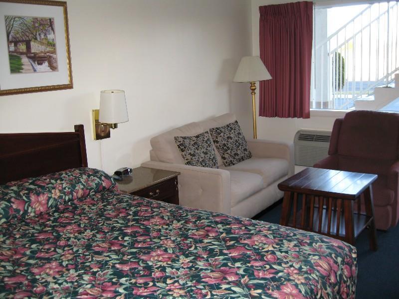 Culpeper Tourism Red Carpet Inn Amp Suites